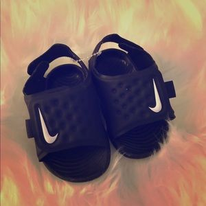 Nike sandals for infant size 3